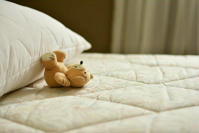ベッドフレームは自己満足のもの:敷布団と使い方同様